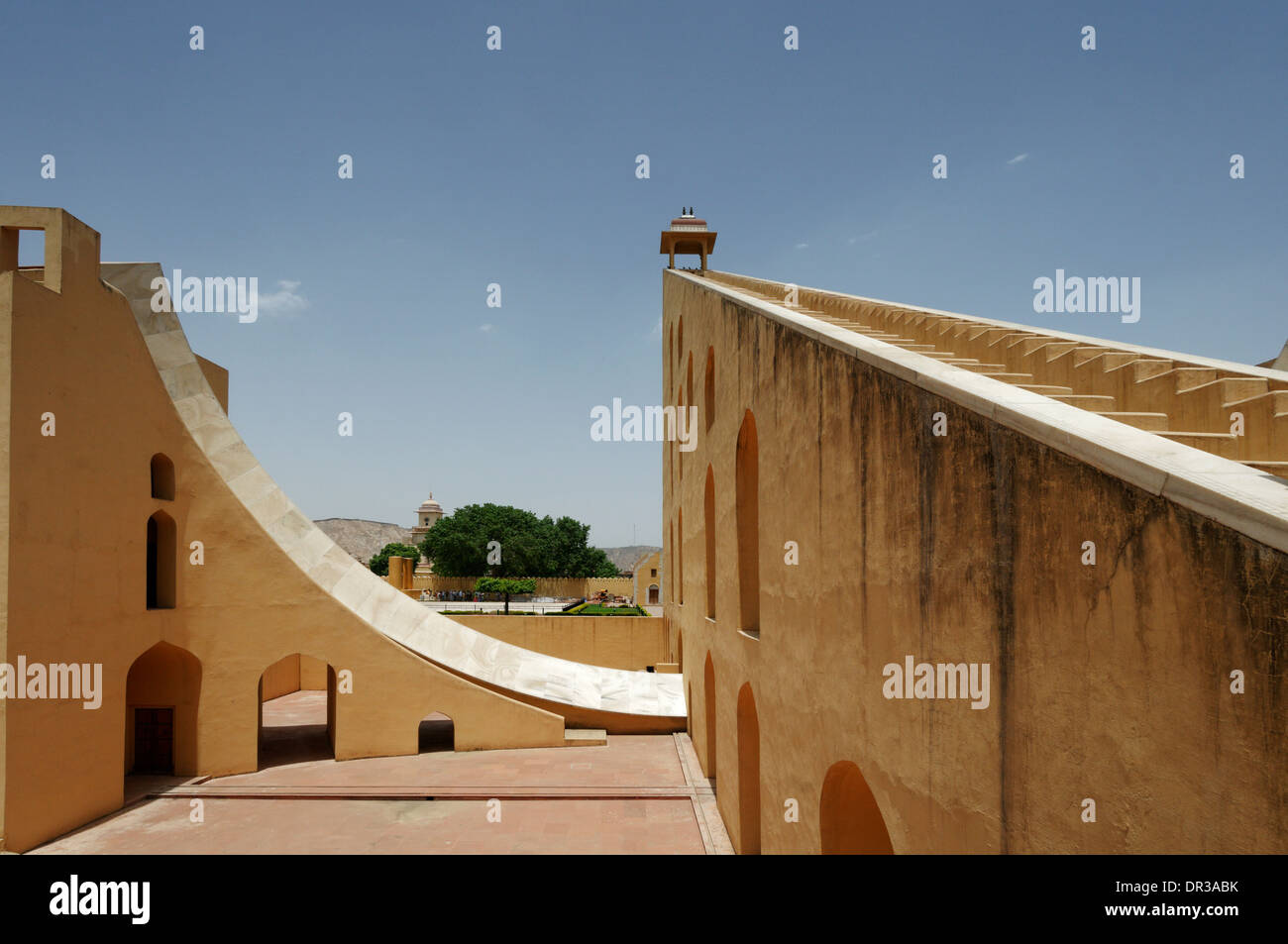 Il Jantar Mantar osservatorio astronomico di Jaipur, Rajasthan, India Immagini Stock