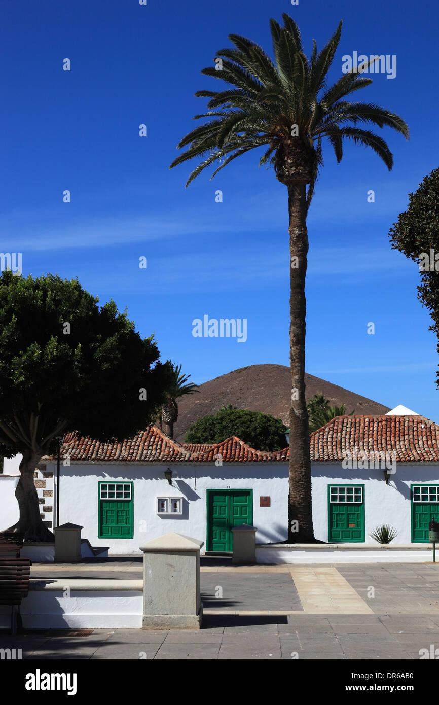 Casa de la Cultura, Plaza de los Remedios, Yaiza, Lanzarote, Isole Canarie, Canarie, Spagna Immagini Stock