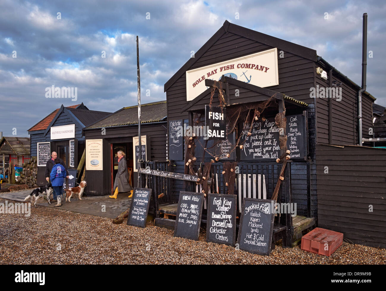 Suola Bay Fish Company, Southwold Harbour, Suffolk, Inghilterra. Immagini Stock