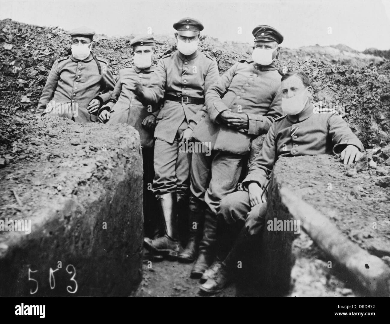 I soldati in trincea della PRIMA GUERRA MONDIALE Foto   Immagine ... 06bfc3563304