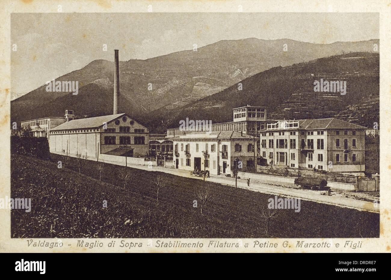 Valdagno, Italia - fabbrica tessile Immagini Stock