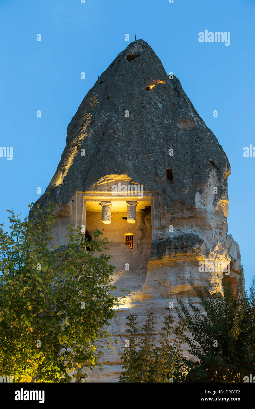 Tomba romana in fairy chimney, Goreme, Cappadocia, Turchia Immagini Stock