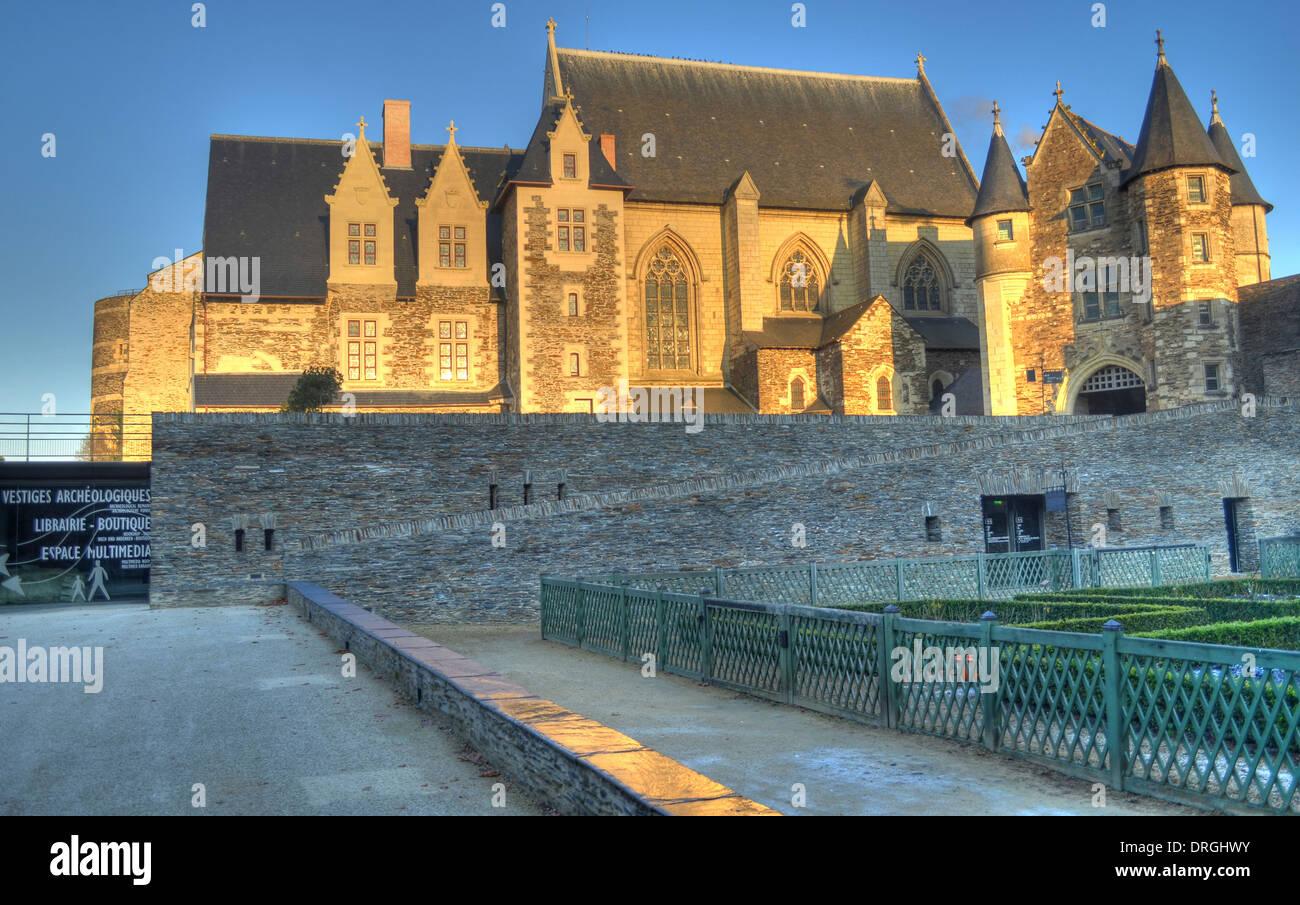 La quattrocentesca cappella presso il Château d'Angers è un castello nella città di Angers nella Valle della Loira Immagini Stock