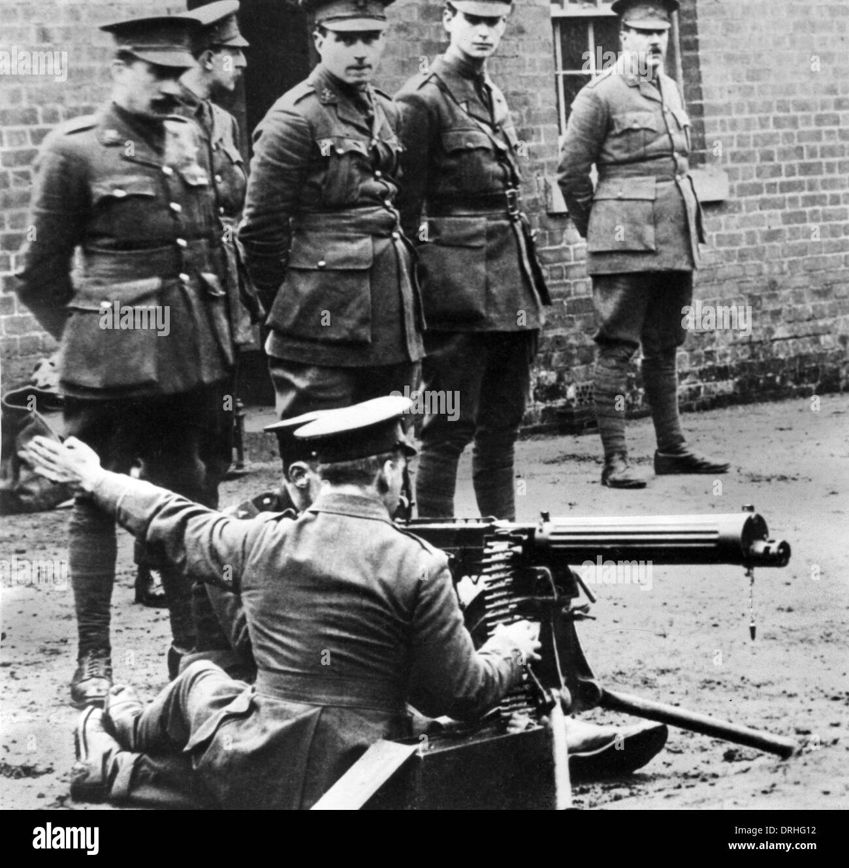I soldati britannici in fase di addestramento alle armi, WW1 Foto Stock