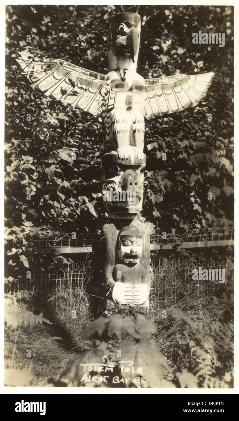 Un American Indian totem pole Foto Stock
