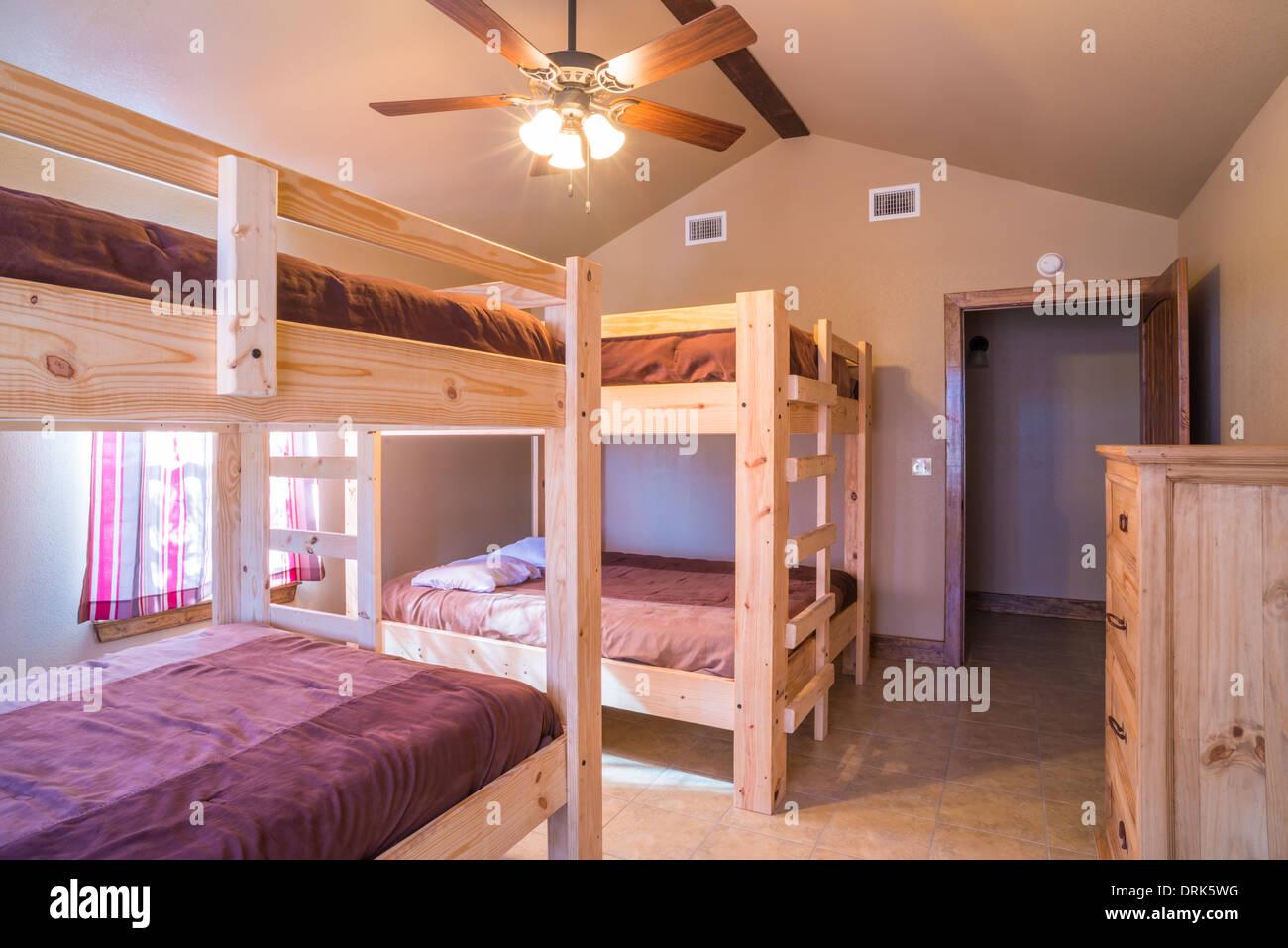 Stati Uniti d\'America, Texas, interiore camera da letto con letto a ...