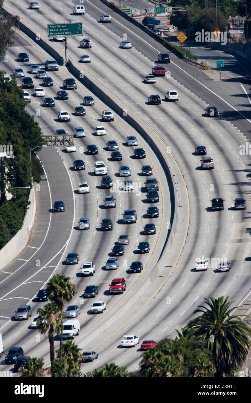 Il traffico su Los Angeles Freeway, CALIFORNIA, STATI UNITI D'AMERICA Immagini Stock