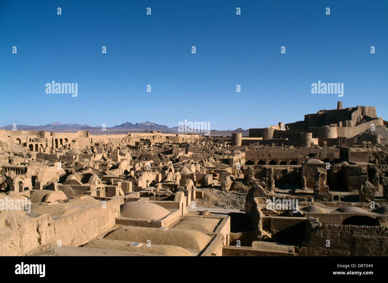 Bam Iran-Arg e Bam medievale di mattoni di fango città Cittadella Safavid C17th oasi nel deserto dopo C xix secolo massacro Immagini Stock
