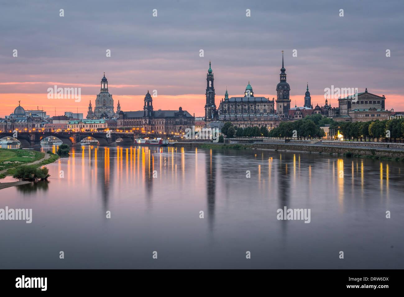 Dresden, Germania sopra il fiume Elba all'alba Immagini Stock