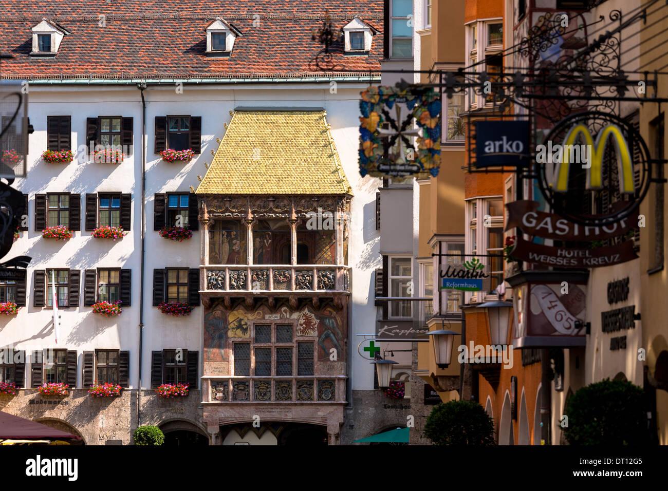 Goldenes dachl il tetto d oro costruito con fire rame