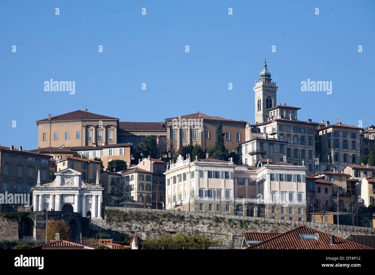 Panorama di Città Alta di Bergamo, Italia Immagini Stock
