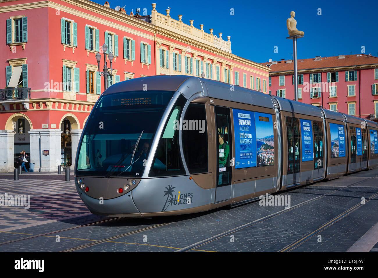 La tranvia di Nizza è un sistema di tram di 8.7km rail in Nizza, Francia Immagini Stock