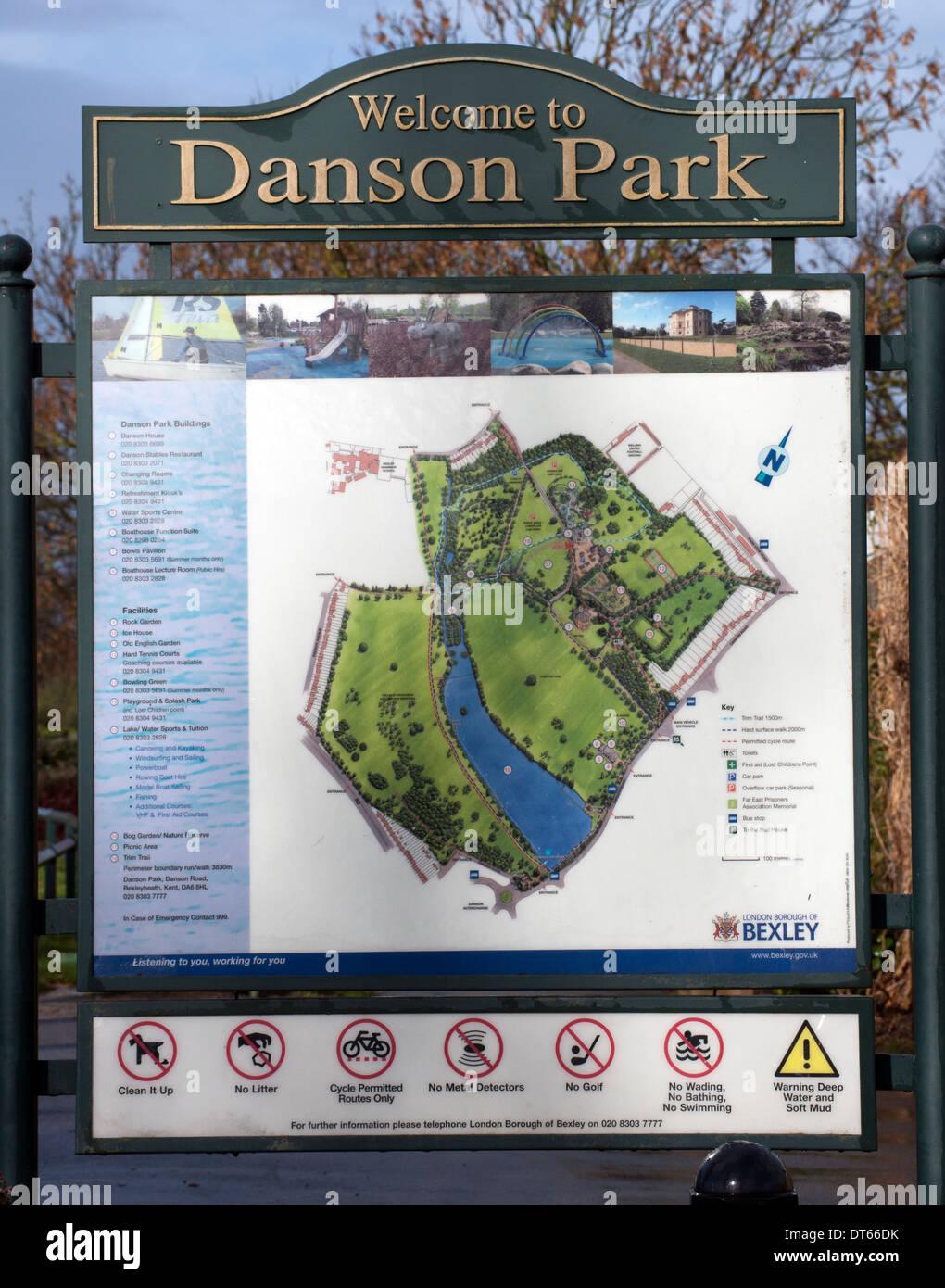 Segno di benvenuto a Danson Park, Bexley, nel sud est di Londra, Inghilterra, Regno Unito. Immagini Stock