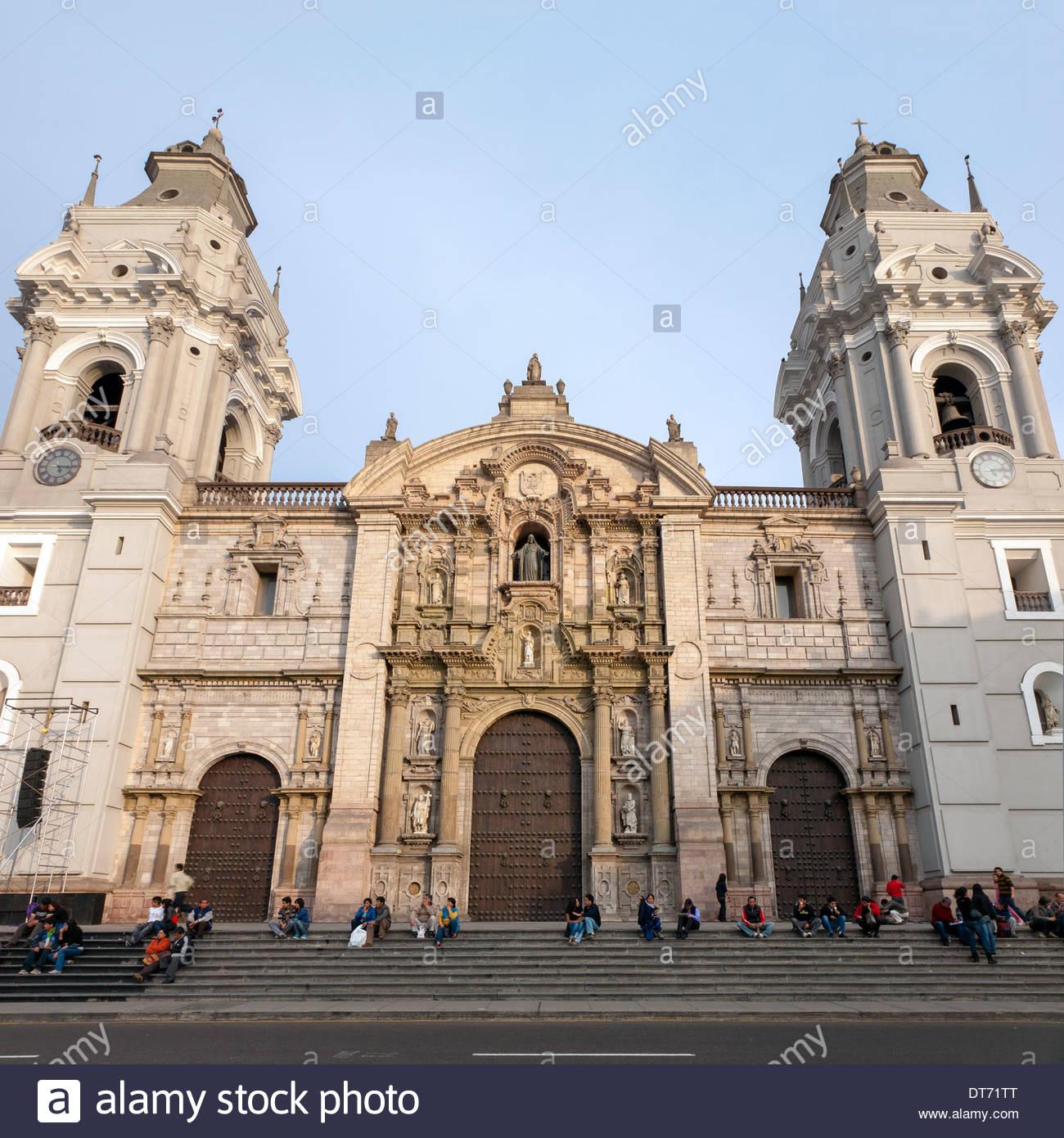 Cattedrale di Lima sul lato est di Plaza Mayor (Plaza de Armas) nel centro di Lima, Perù Immagini Stock