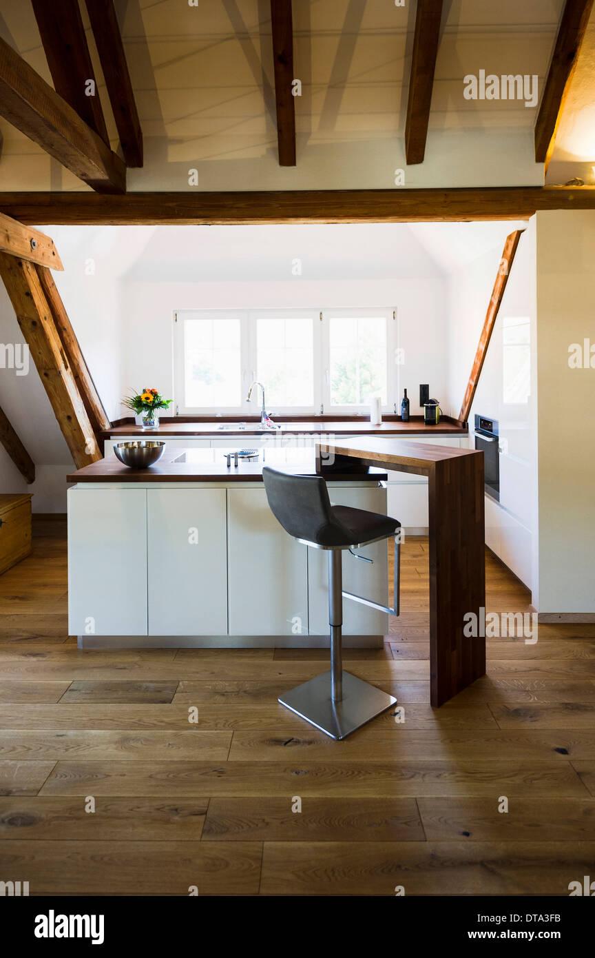 Convertito soppalco con una moderna cucina Foto & Immagine ...
