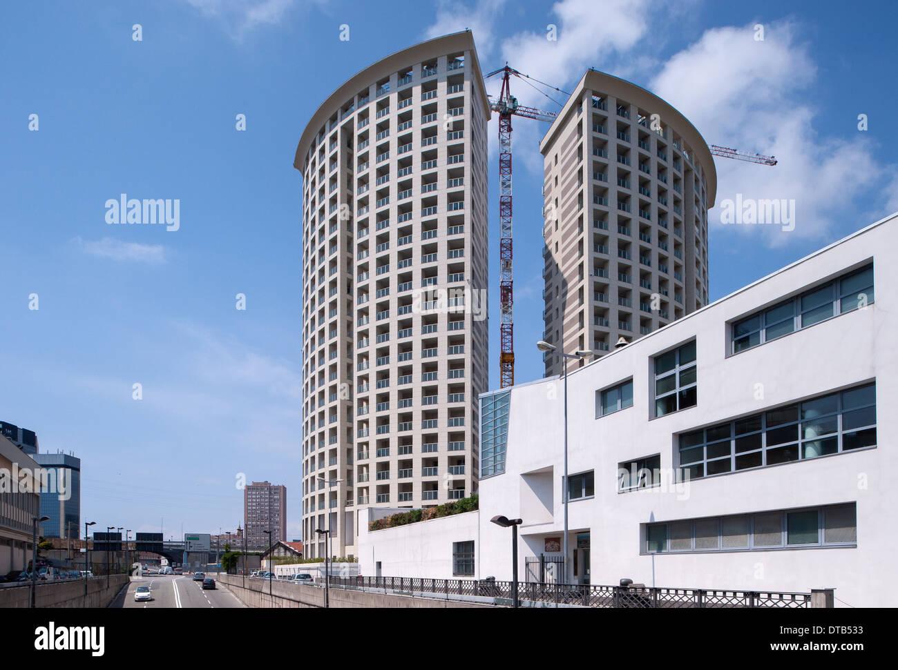 Genova, Italia, Nuova costruzione di appartamenti in Via Francia nel centro-ovest Immagini Stock