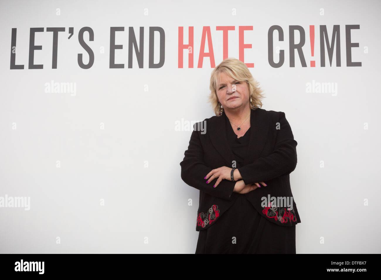 Sylvia Lancaster madre di odio di vittima di reato Sophie Lancaster uccisi per essere vestiti come Goth Immagini Stock
