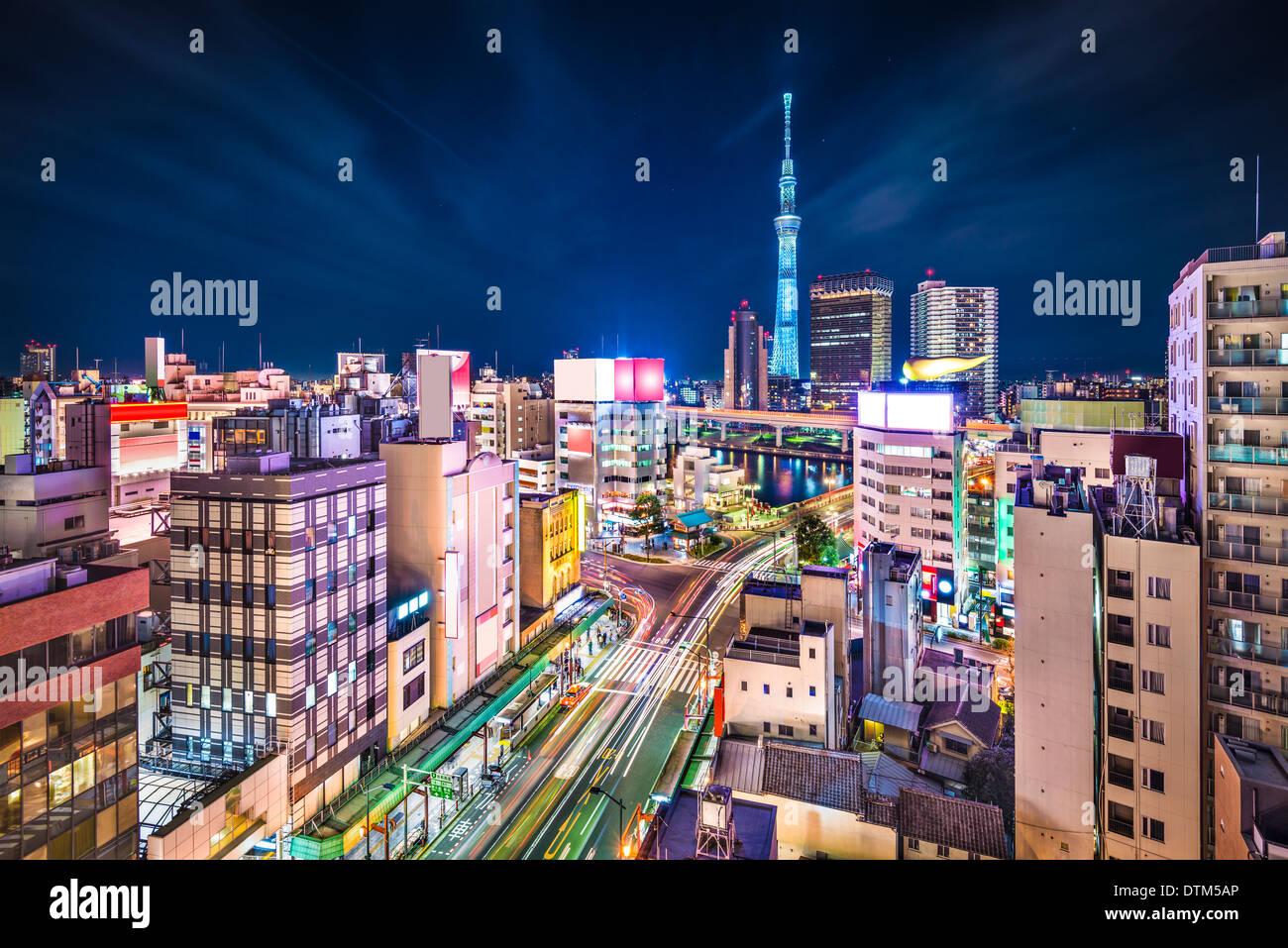 Tokyo, Giappone antenna cityscape cityscape oltre Sumida e Taito reparti. Immagini Stock