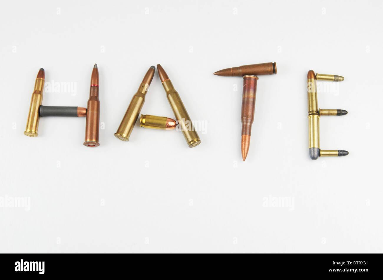 """I proiettili l'ortografia della parola """"odio"""". Immagini Stock"""