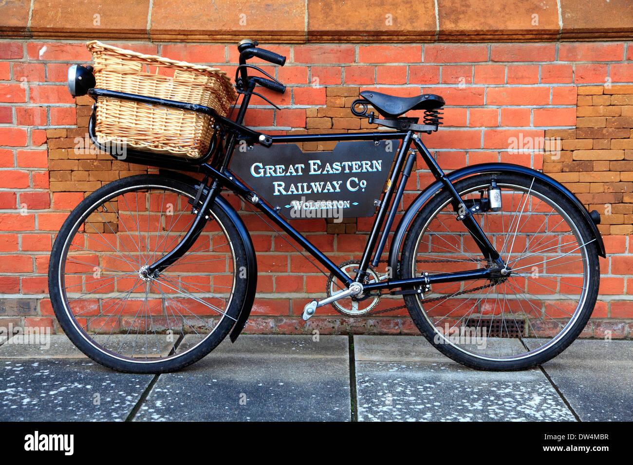 Great Eastern Railway bicicletta, stazione Wolferton, Norfolk, Inghilterra, Regno Unito Immagini Stock
