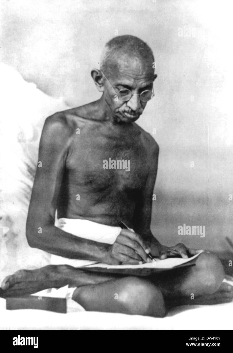 Il Mahatma Gandhi (1869-1948) Indiano leader nazionalista circa 1925 Immagini Stock