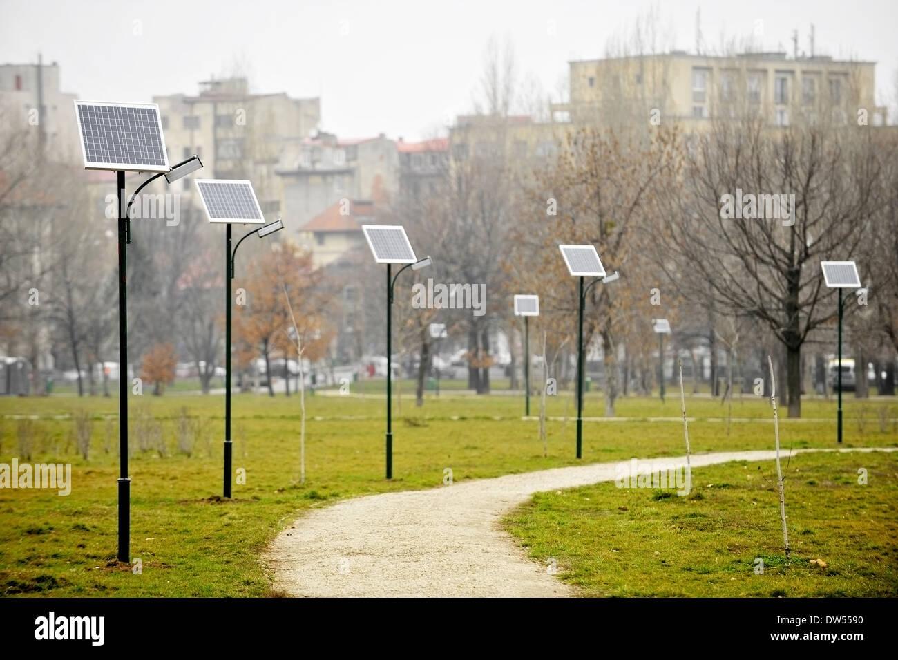 Electricity generating sidewalk immagini & electricity generating