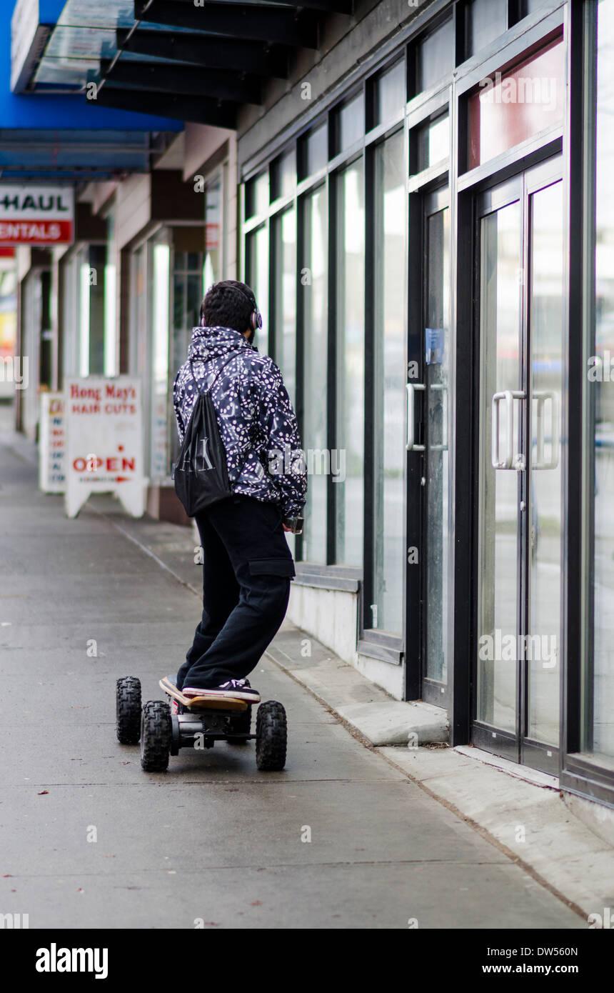 Skateboard motorizzato Immagini Stock