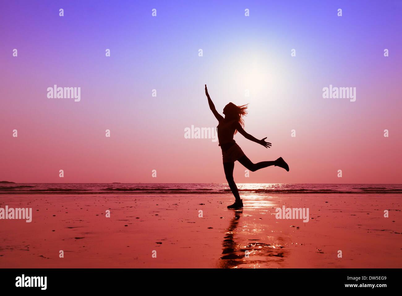 Le persone felici, il concetto di uno stile di vita sano Immagini Stock