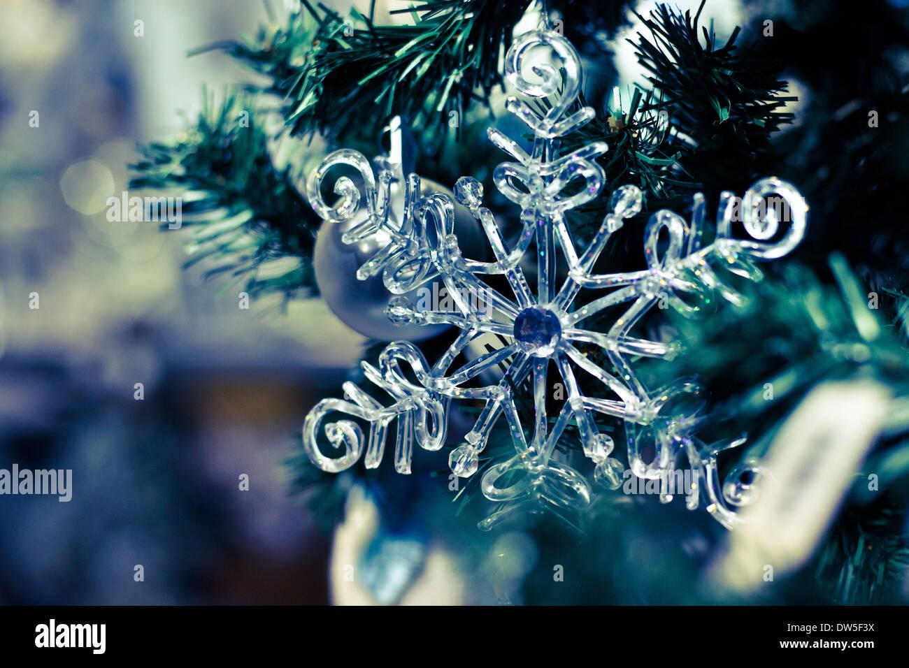 Il simbolo del fiocco di neve, sullo sfondo di Natale Immagini Stock