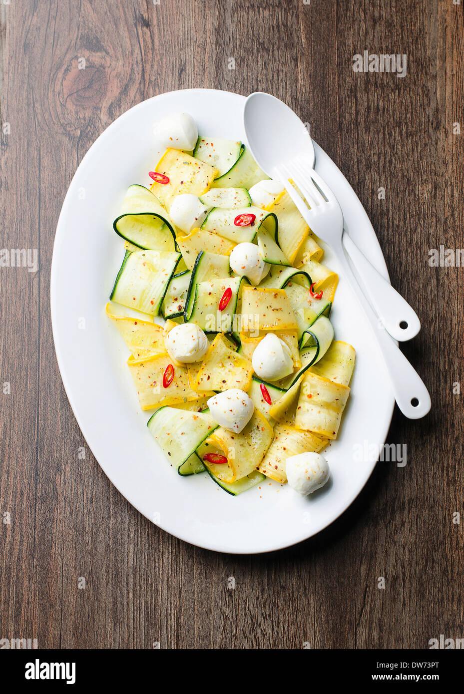 Insalata di zucchine Immagini Stock