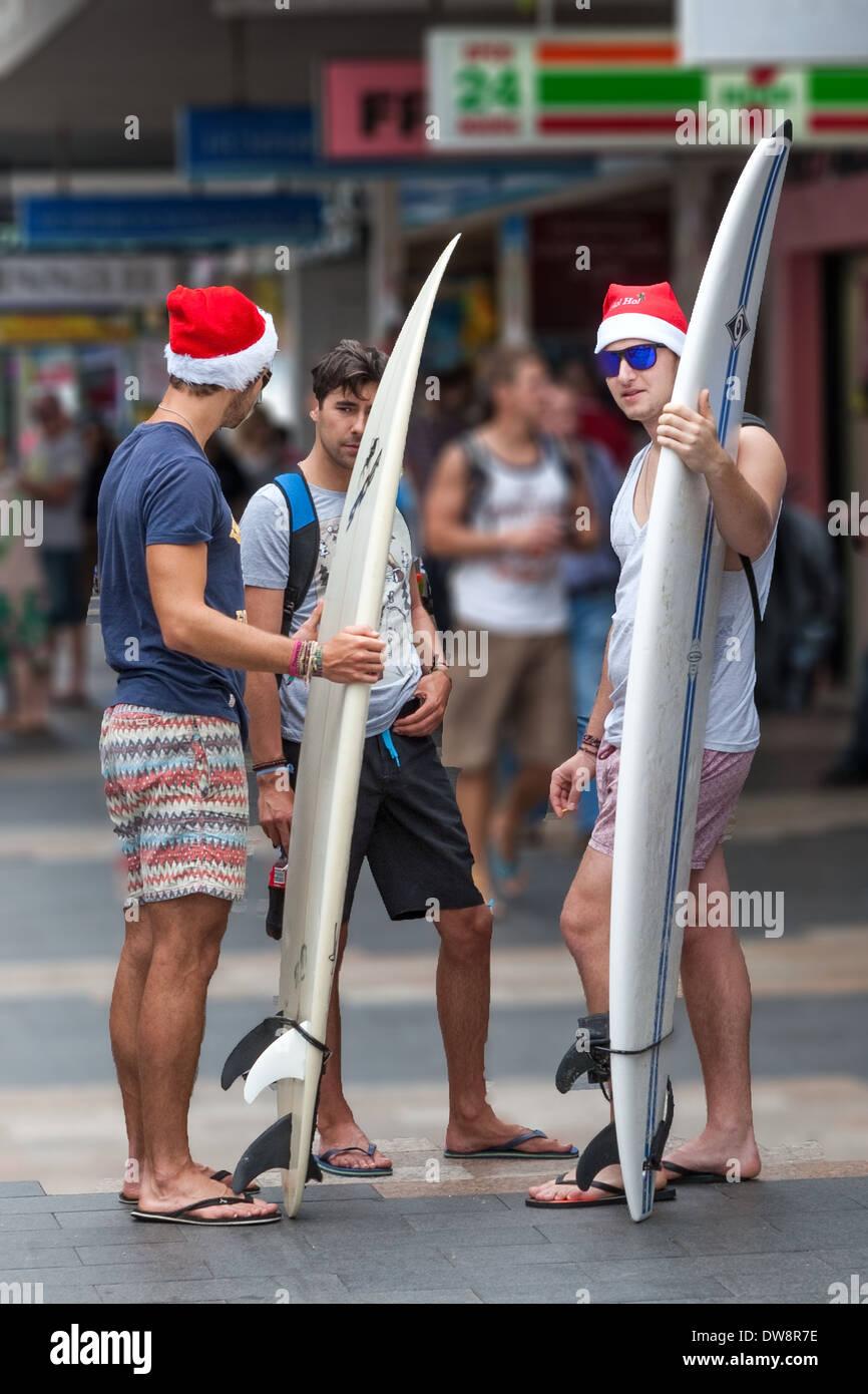 I surfisti a Natale Il Corso Manly Australia Immagini Stock