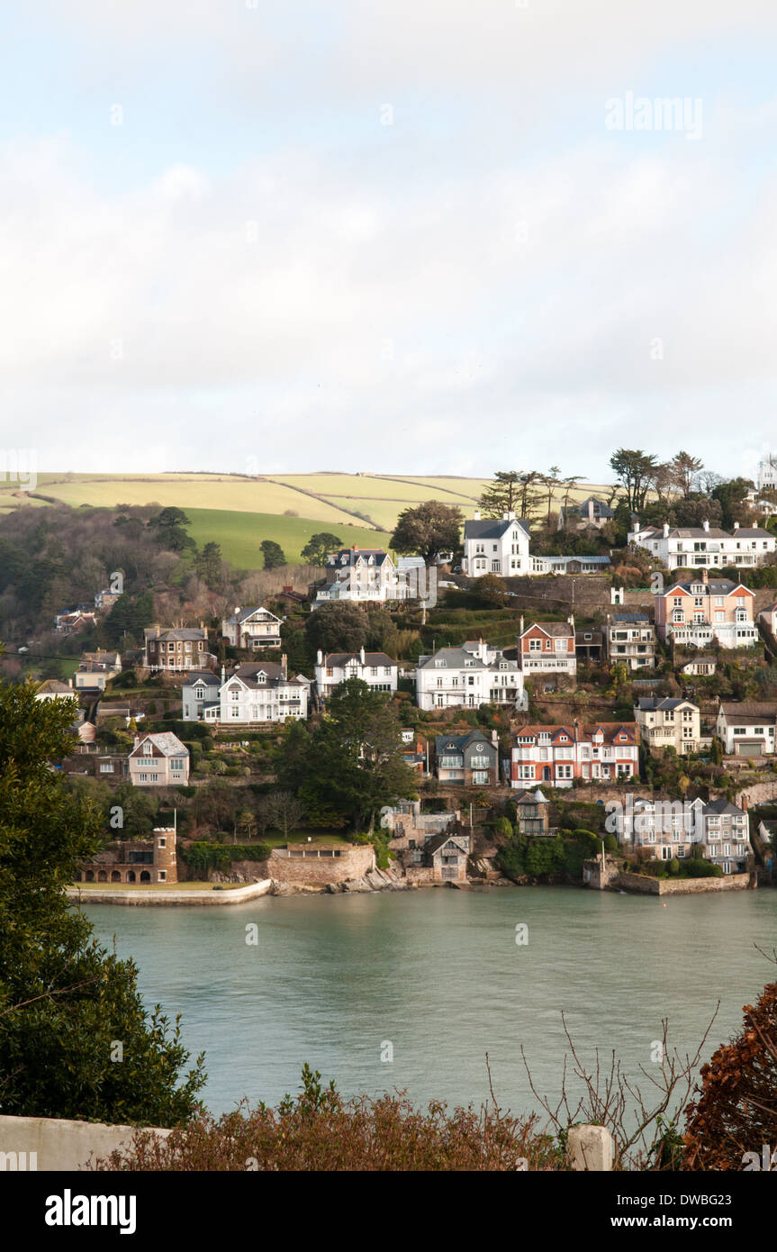 Vista sul fiume Dart milionario case vacanza in Kingswear nel Devon  esclusivo resort Immagini Stock ead76d540b1