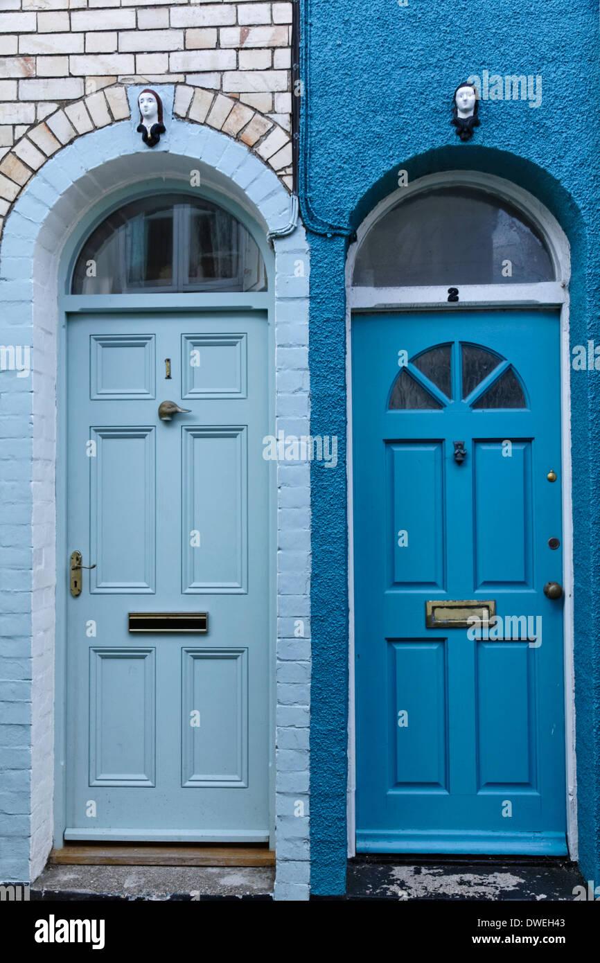 Casa colorati porte nel villaggio di Appledore, Inghilterra, Devon Immagini Stock