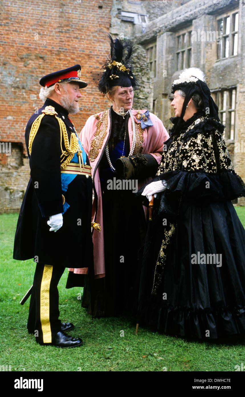 Tardo vittoriana inglese Gentry, 1880, rievocazione storica Inghilterra UK costume costumi moda mode del XIX secolo Immagini Stock