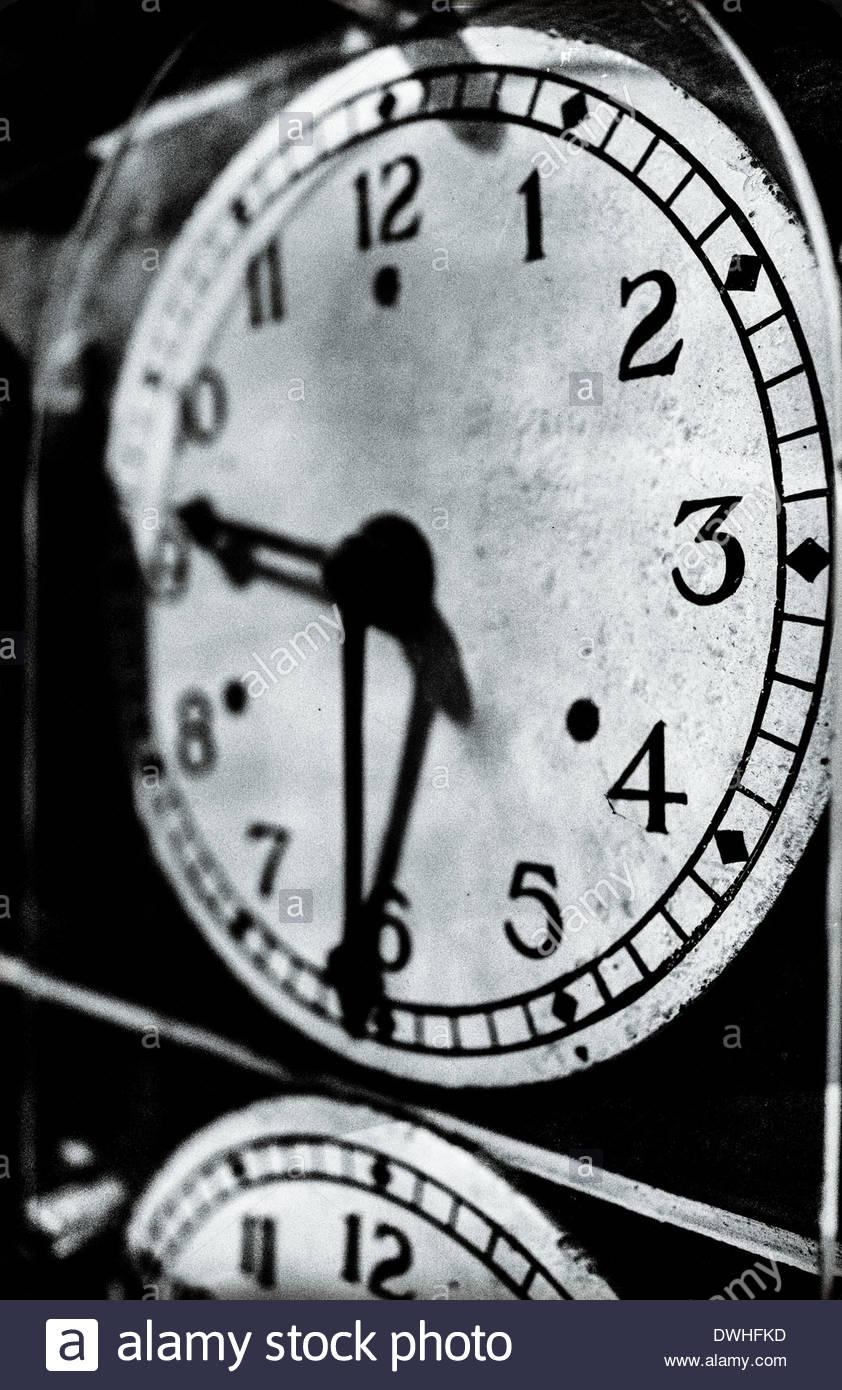Dettaglio del locomotore ferroviario orologi, Inghilterra, Regno Unito. Immagini Stock