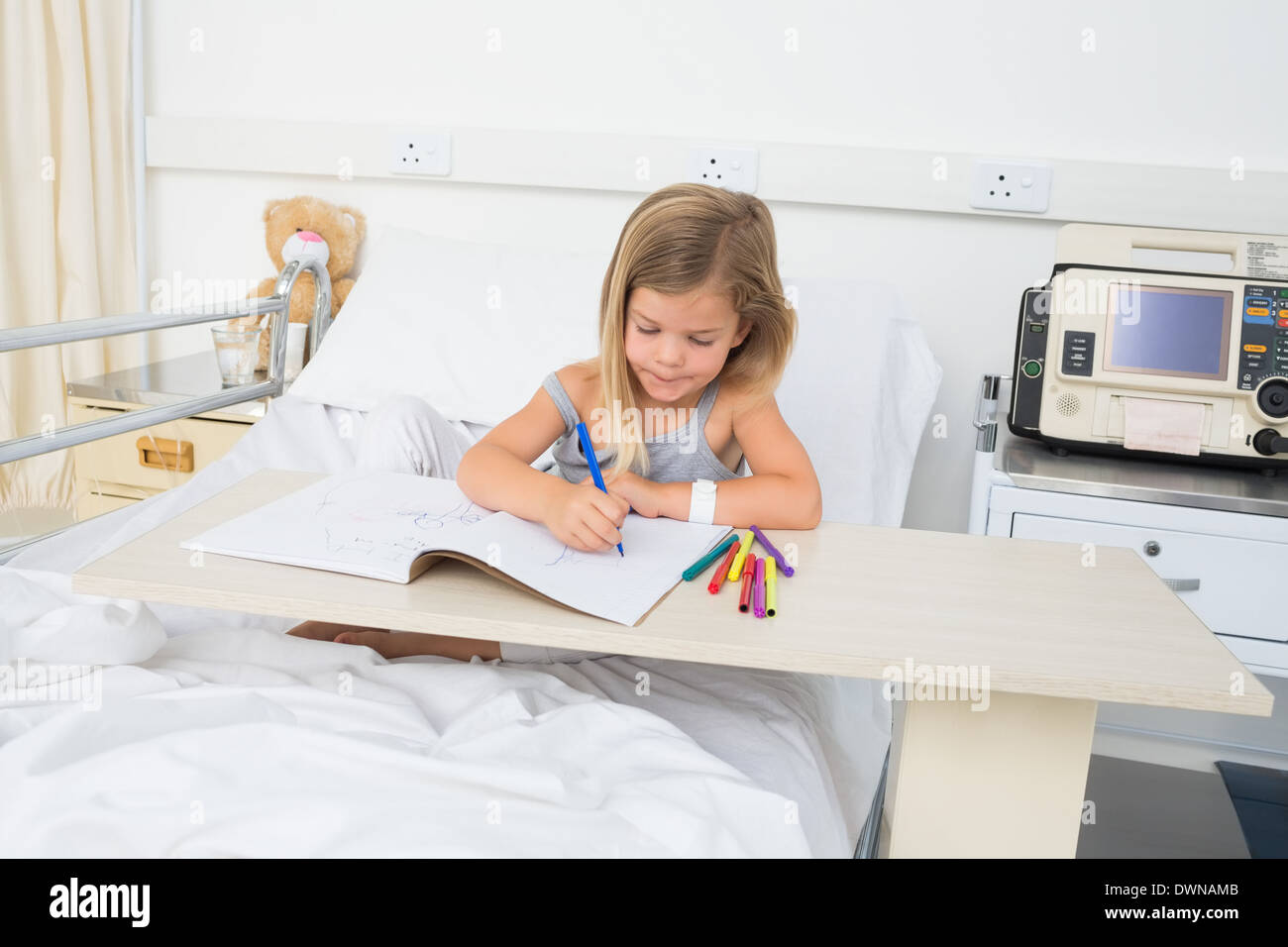 Malata Libro Da Colorare In Ospedale Foto Immagine Stock 67466907