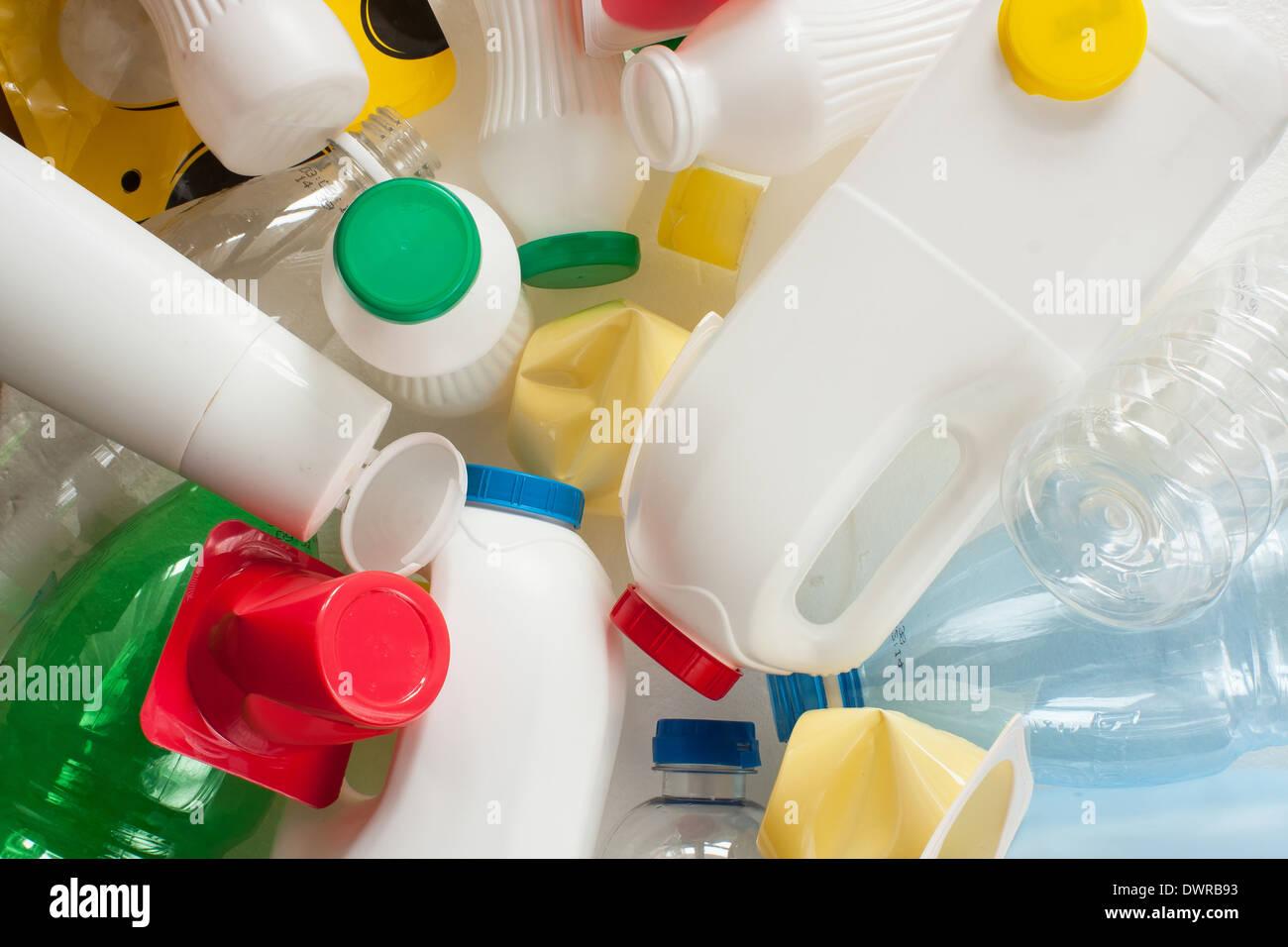 Segregati in plastica rifiuti pronti per il riciclaggio Immagini Stock