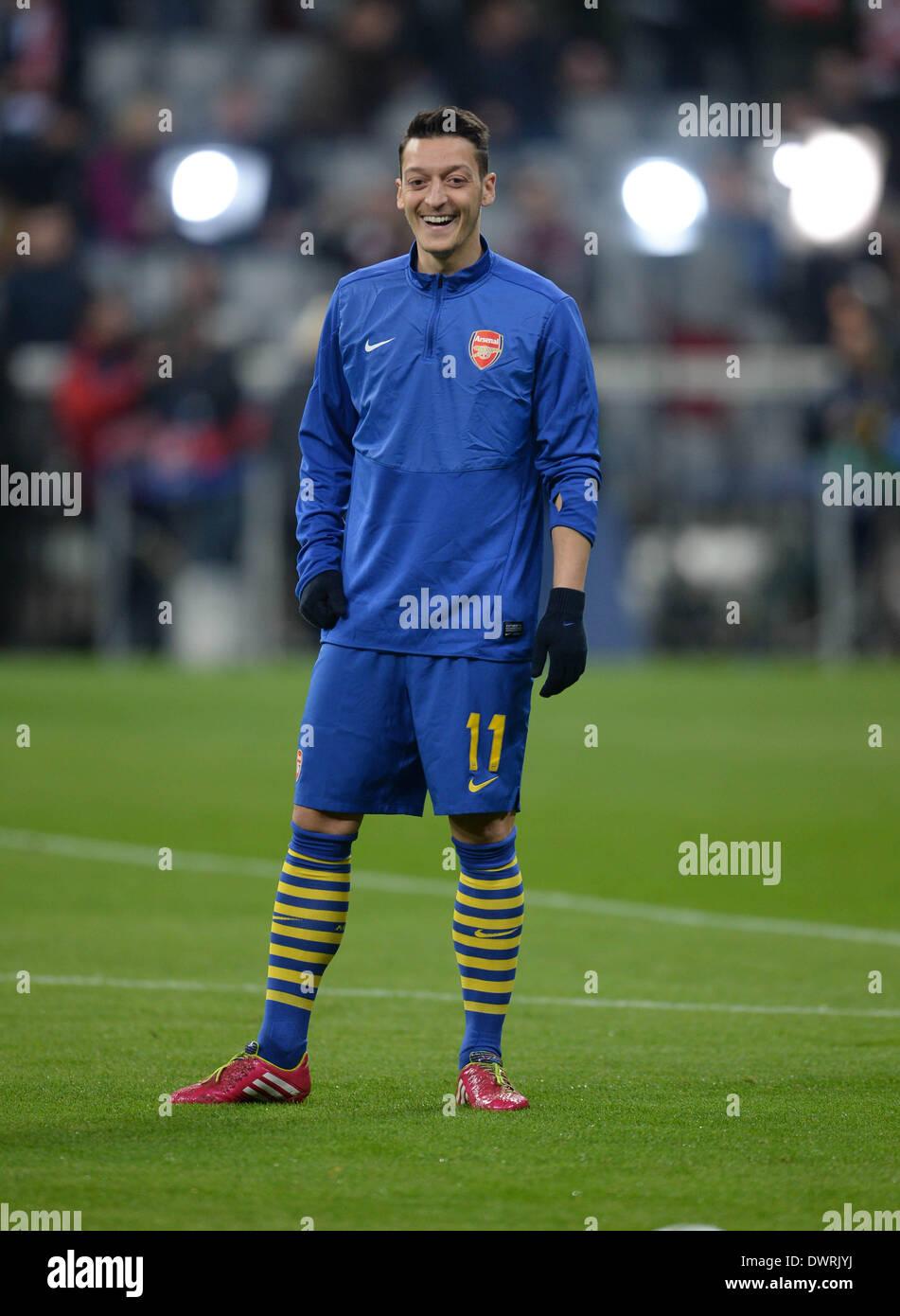 Monaco di Baviera, Germania. Undicesimo Mar, 2014. Champions League, la seconda gamba. Il Bayern Monaco 1 v 1 Arsenal Mesit Ozil. © csm/Alamy Live News Immagini Stock