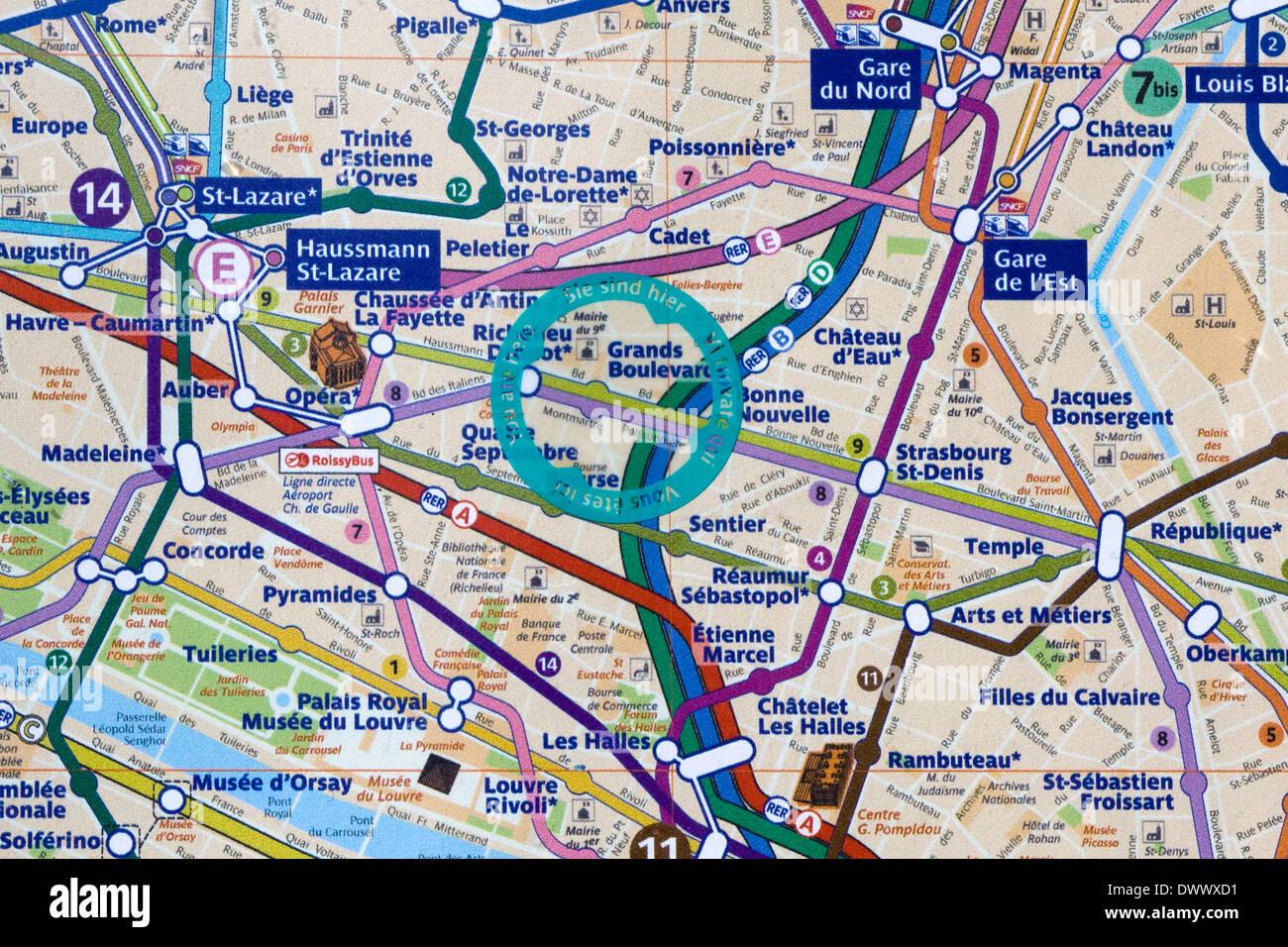 Parigi Cartina Turistica.A Piedi La Mappa Turistica Di Parigi Francia Siete Qui Foto Stock Alamy