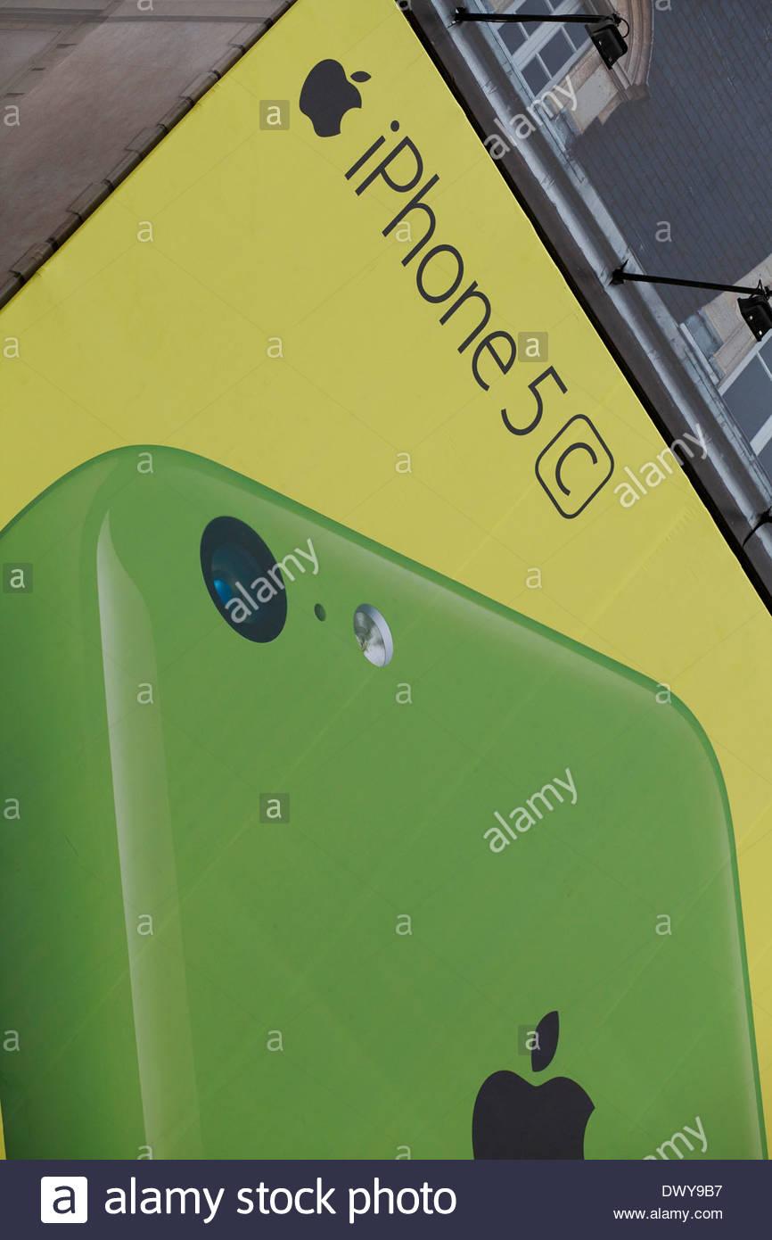 Poster pubblicitari Apple I Phone 5 Immagini Stock