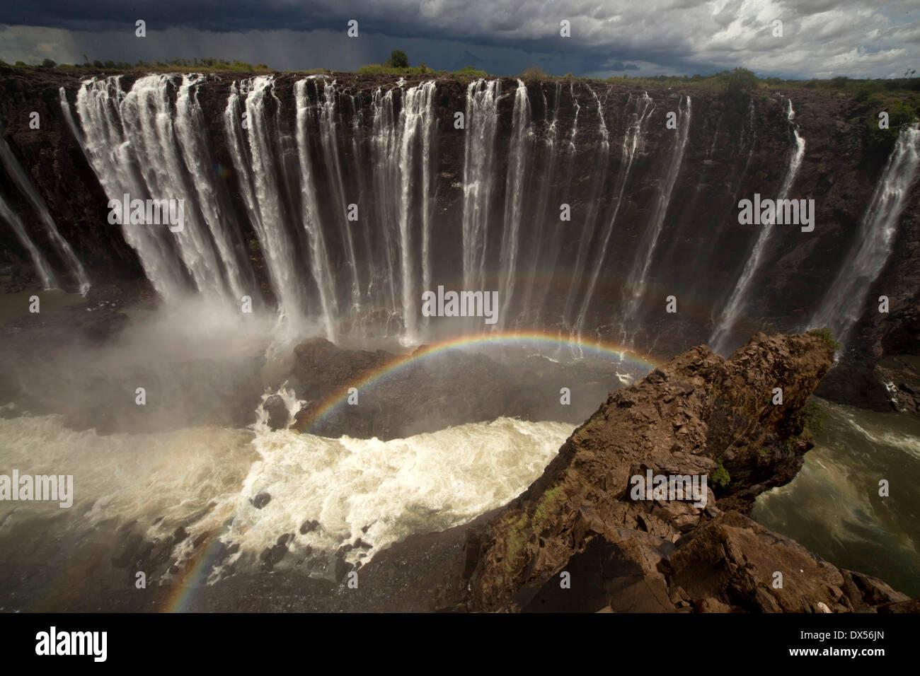 Rainbow a Rainbow Falls, Victoria Falls, Zimbabwe Immagini Stock