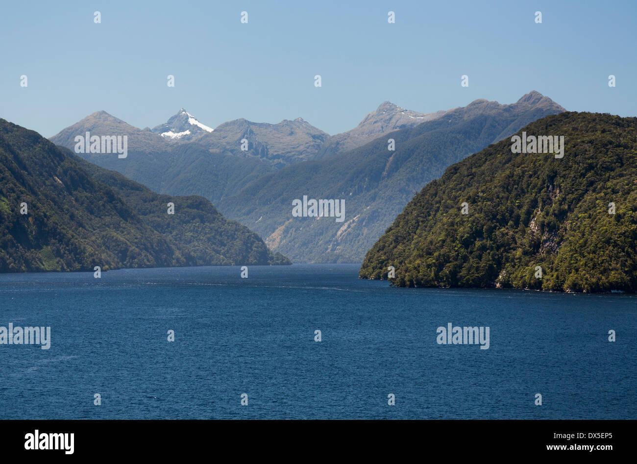 Doubtful Sound, Parco Nazionale di Fiordland, Nuova Zelanda Immagini Stock