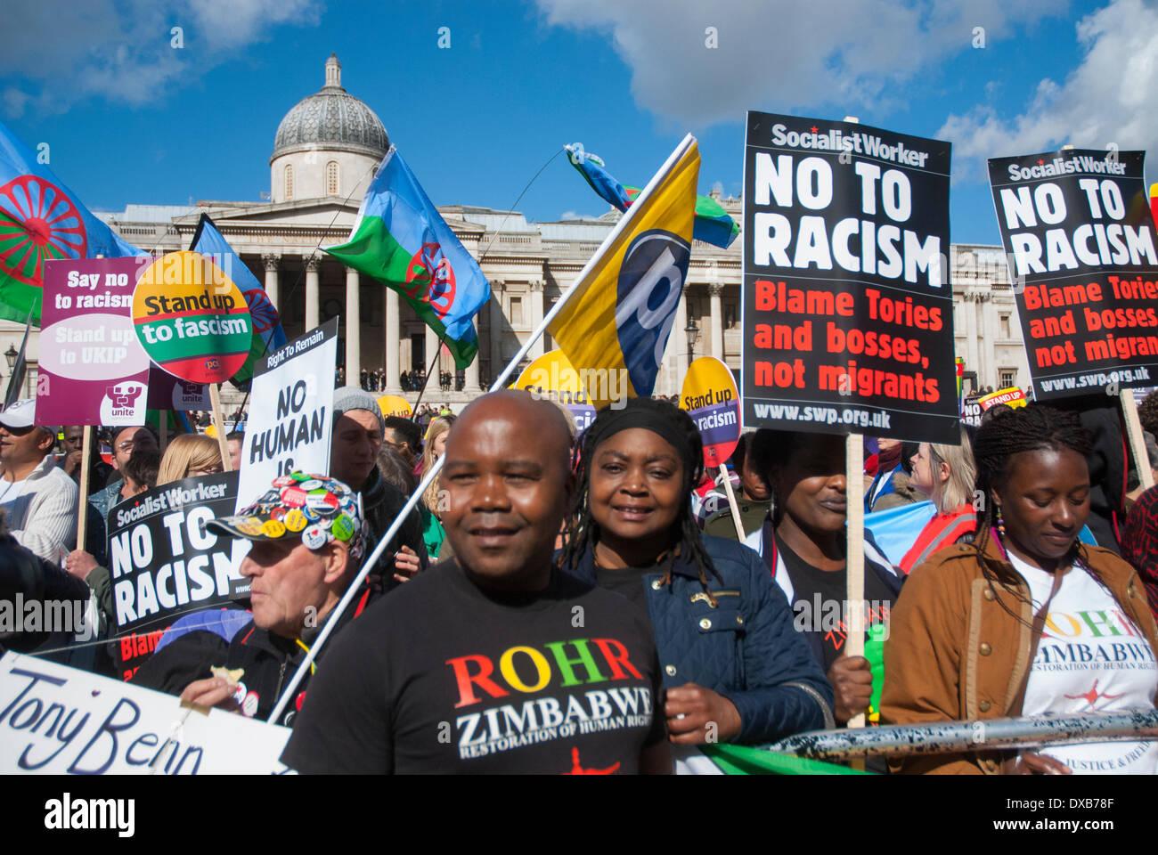 Londra, Regno Unito. Il 22 marzo 2014. Le persone si radunano a Londra in Trafalgar Square per un rally Anti-Racism. Credito: Peter Manning/Alamy Live News Immagini Stock