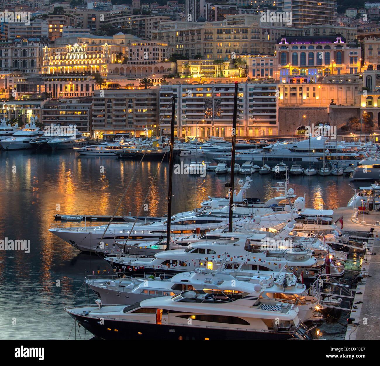 Il Principato di Monaco, un sovrano dello stato della città, situato sulla Riviera francese Immagini Stock