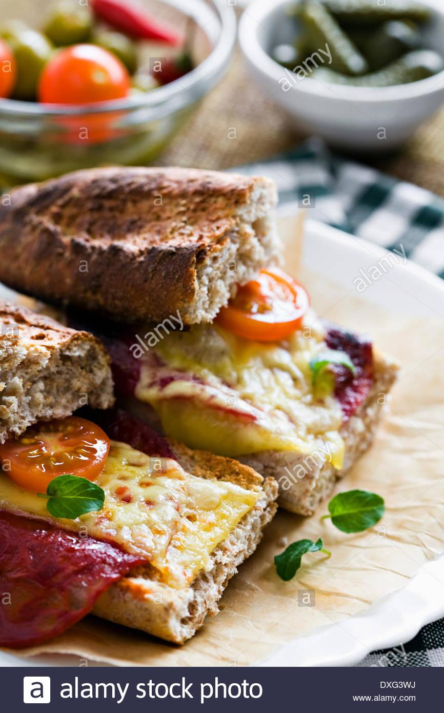 Il formaggio e il chorizo sandwich Immagini Stock