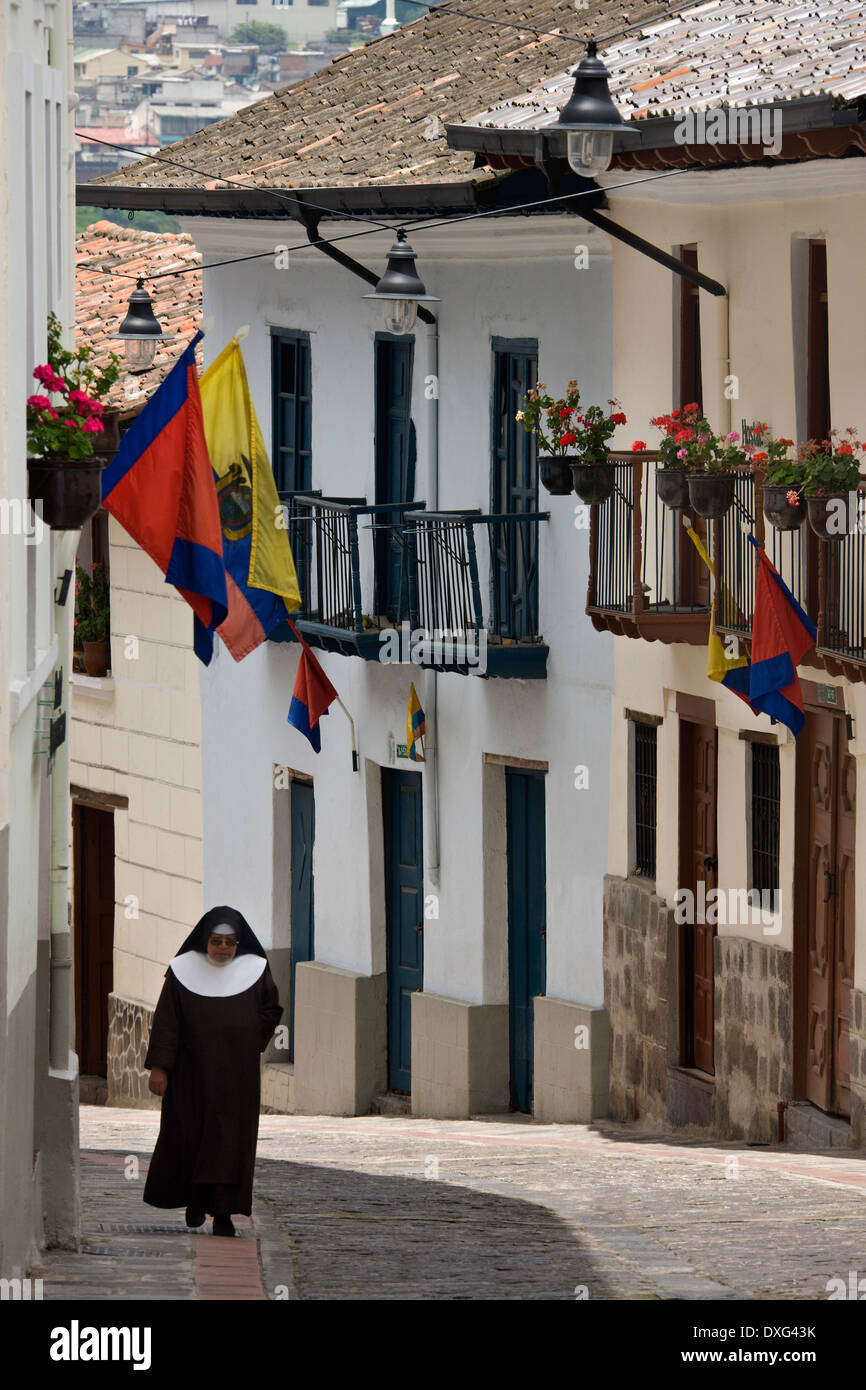 Vecchia strada coloniale di calle Ronda a Quito in Ecuador - America del Sud Immagini Stock