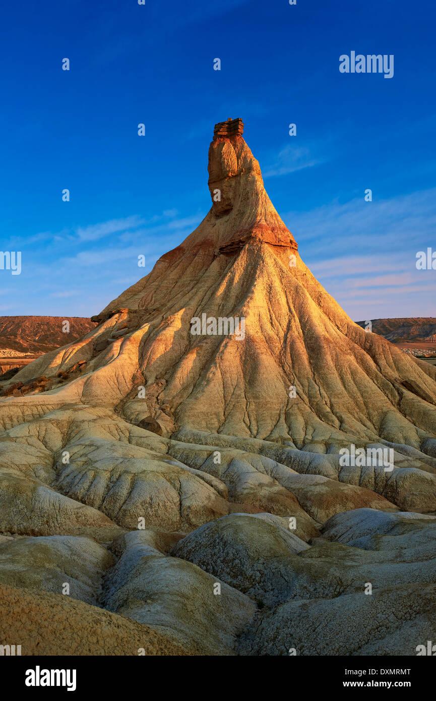 Castildeterra rock formazione nella Bardena Blanca area delle Bardenas Riales parco naturale, Navarra, Spagna Foto Stock
