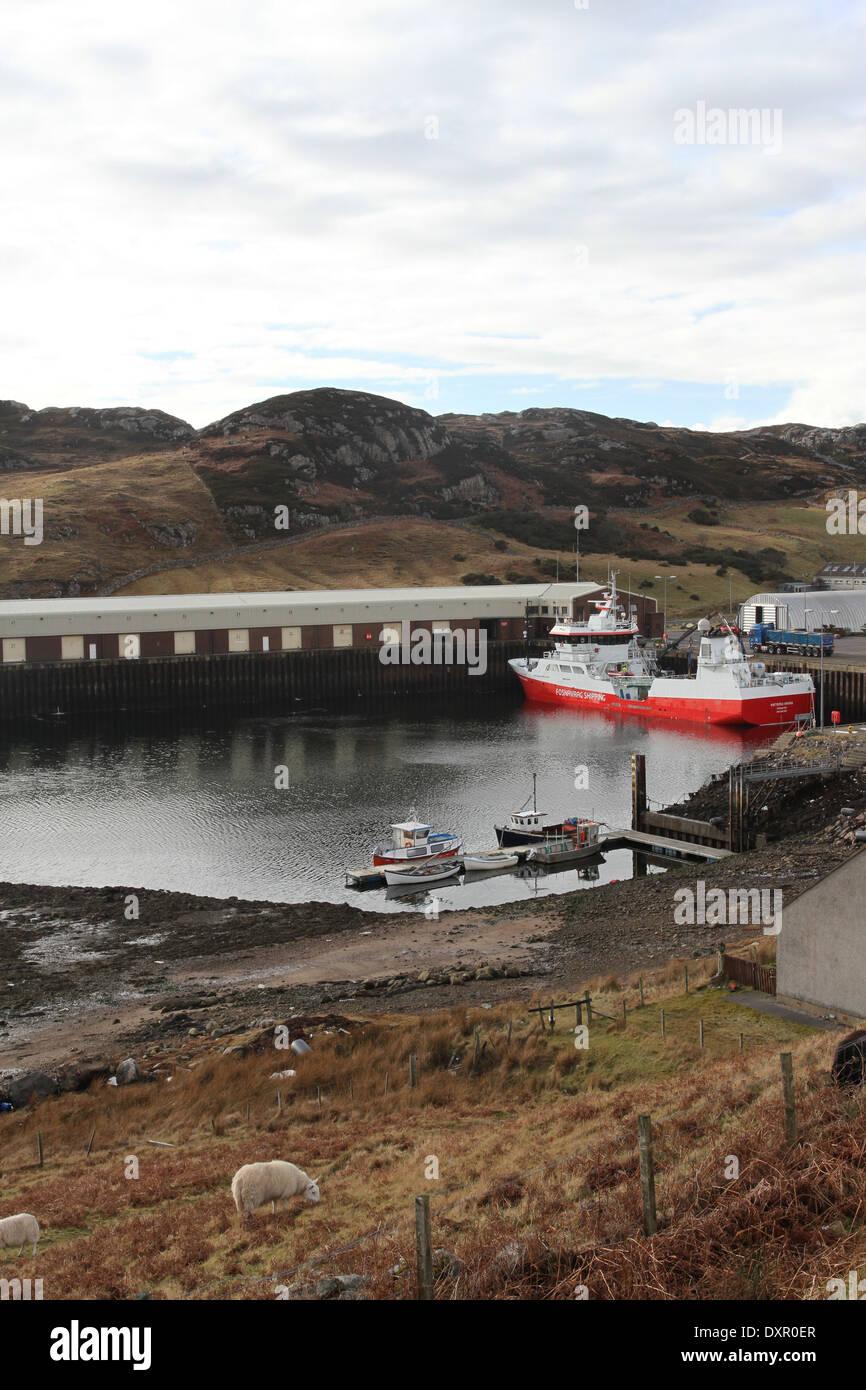 Barche da pesca nel porto di kinlochbervie scozia marzo 2014 Foto Stock