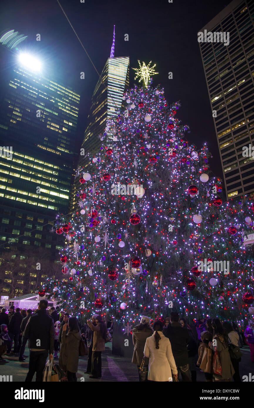 Albero Di Natale New York.Luci Blu Su Albero Di Natale New York City Stati Uniti D America