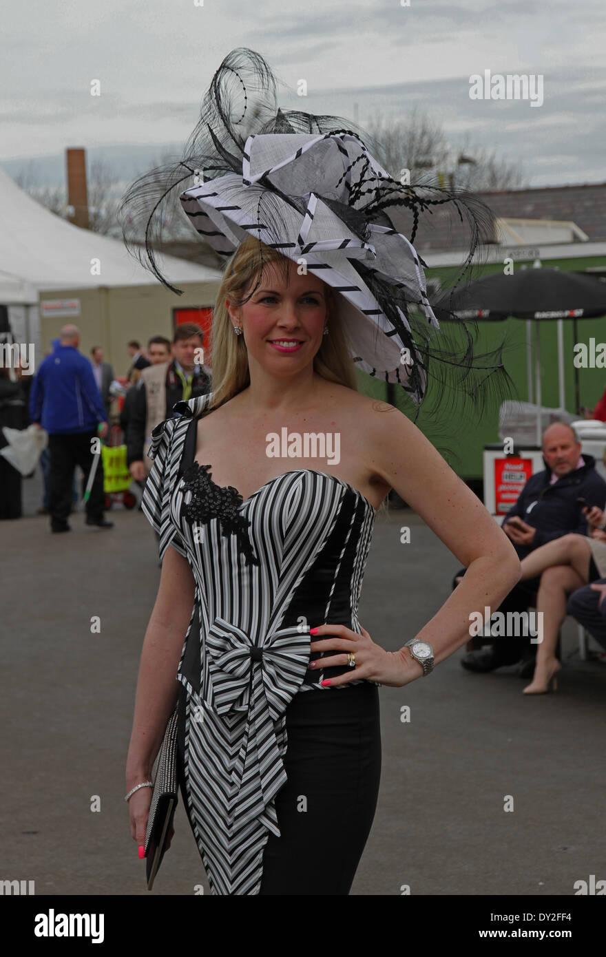 Aintree Ladies Racecourse Immagini   Aintree Ladies Racecourse Fotos ... 92163ce88868